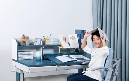 护童:为什么孩子学习必须用专业的儿童学习桌?
