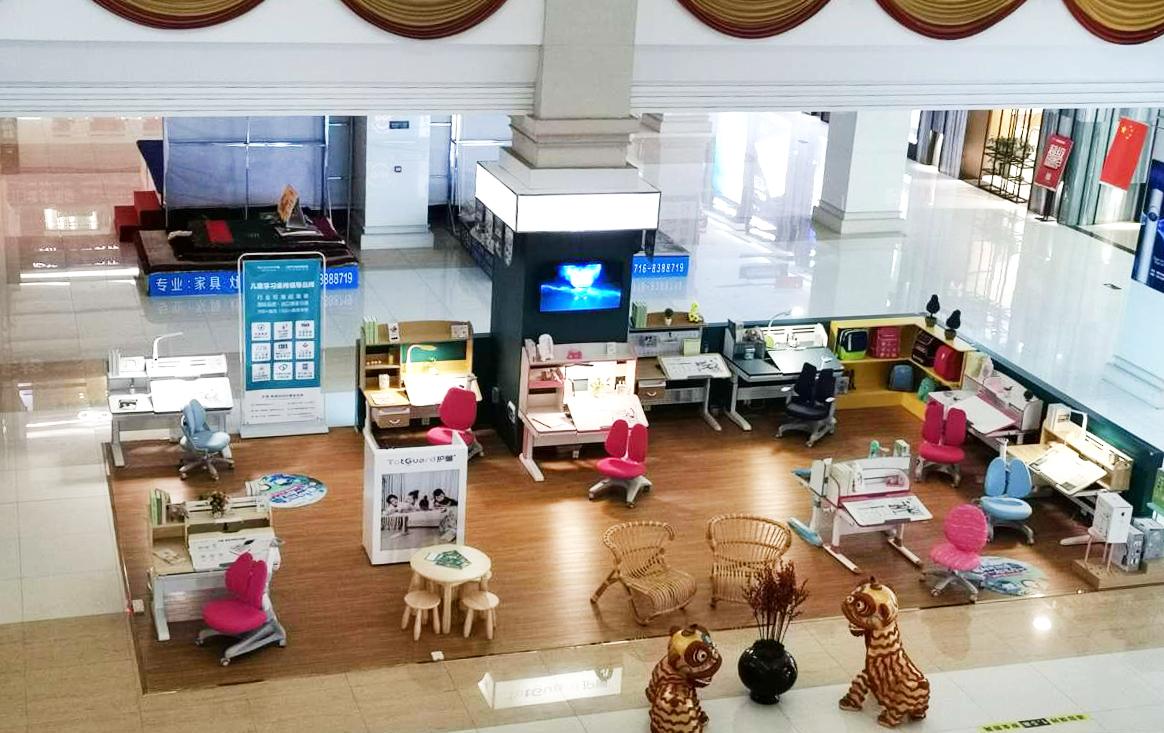 热烈祝贺护童第2033家荆州南国大家装护童专柜盛大开业!