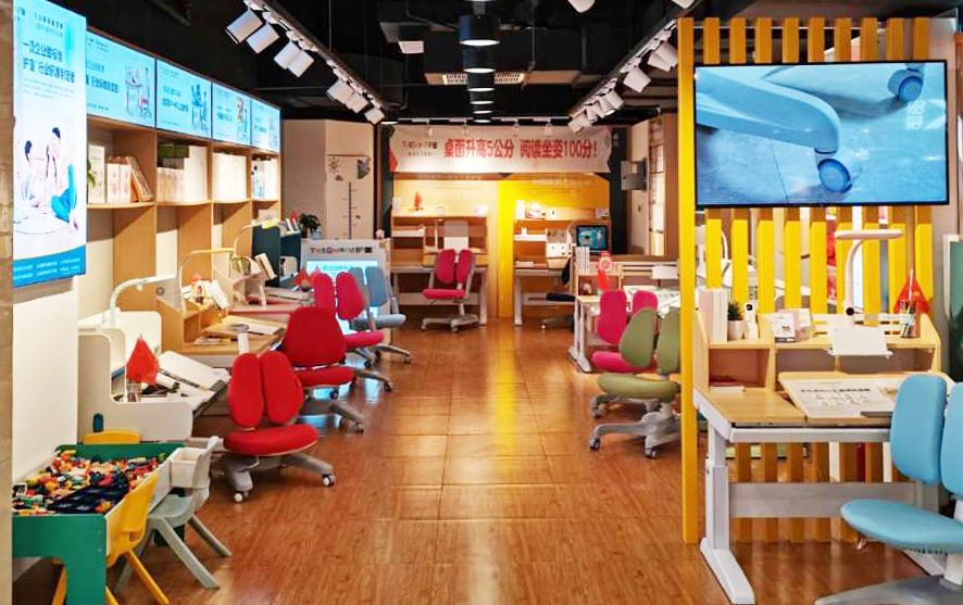热烈祝贺护童第2081家杭州宝龙购物中心护童专柜盛大开业!