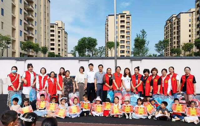 校企共建 | 护童科技走进安吉报福幼儿园同庆六一送健康