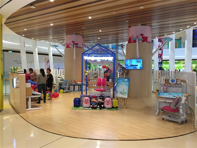 热烈祝贺护童第1362家成都银泰城护童专柜盛大开业!