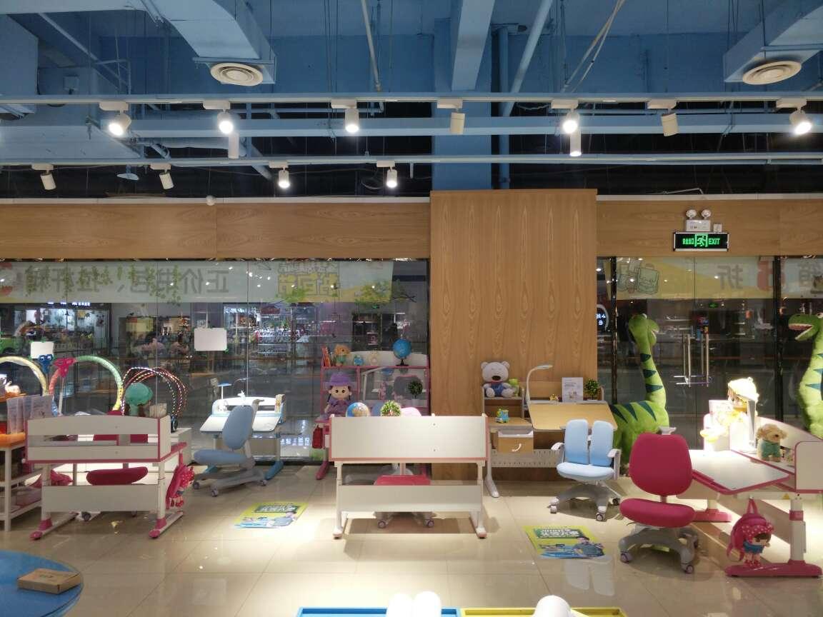 热烈祝贺护童第1480家河南信阳光山西亚广场护童专柜盛大开业!