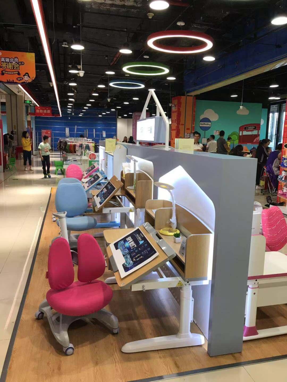 热烈祝贺护童第1531家广州增城苏宁红孩子护童专柜盛大开业!