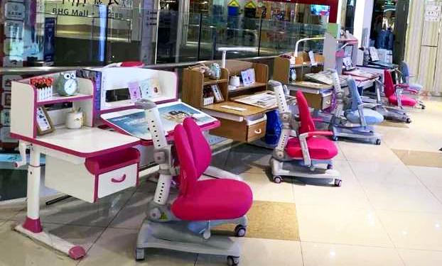 热烈祝贺护童第1654家成都北京华联空港护童专柜盛大开业!